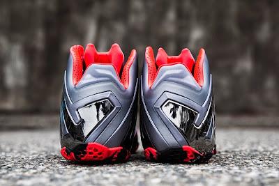 nike lebron 11 ps elite silver crimson camo 2 05 Nike LeBron 11 Elite Team Collection Outdoors and Up Close