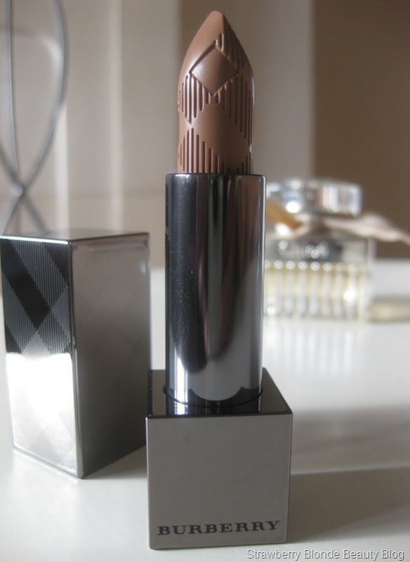 Burberry-Nude-Cashmere-Lipstick