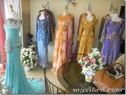 pasal baju pengantin ni sebab zaman aku nak cari baju pengantin