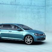 2013-Volkswagen-Golf-7-5.jpg