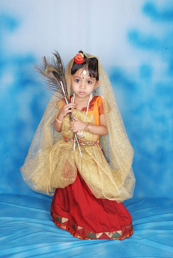 Krishna In Fancy Dress http://picasaweb.google.com/lh/photo/Y2lQca2RoHejgPx2M-dPNw