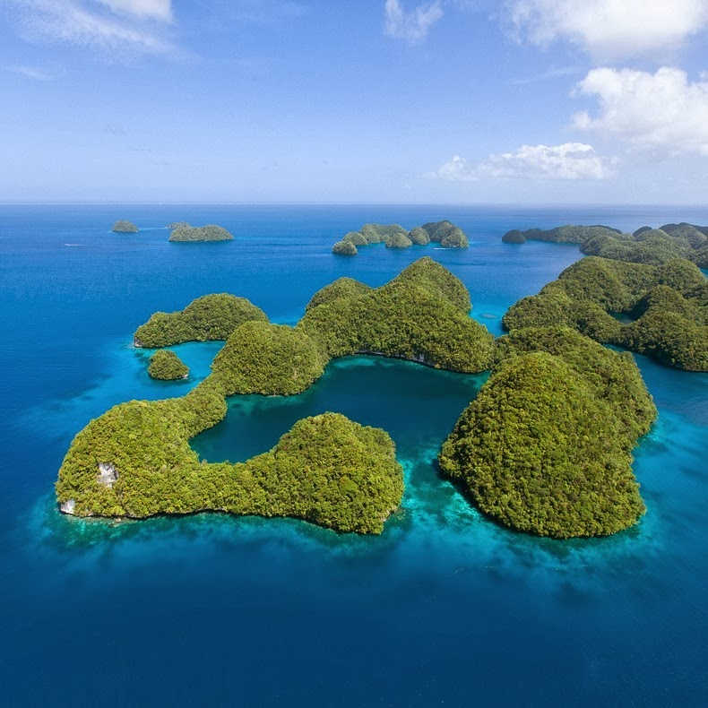 rock-islands-palau-10