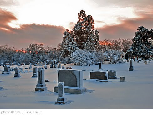 'Cemetery Sunset' photo (c) 2006, Tim - license: http://creativecommons.org/licenses/by-nd/2.0/