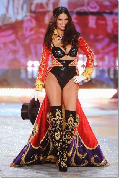 victorias-secrets-models-2012-13