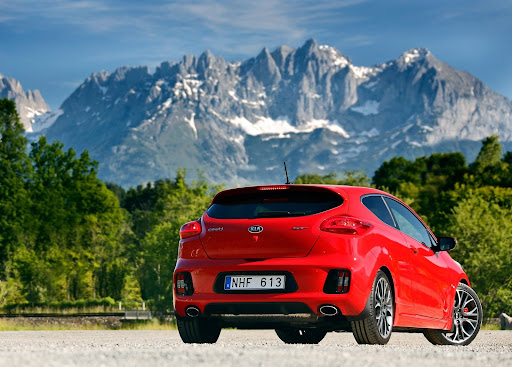 Yeni-Kia-Pro-Ceed-GT-2014-33.jpg