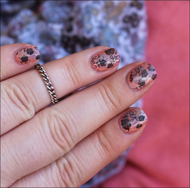 Nageldesign Nail Art Fabrics Frühlingsschal Apricot Flowers 09