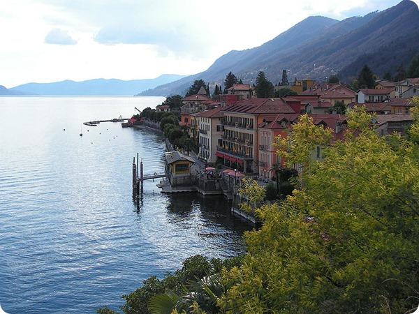Piemonte Cannero-Riviera-Lungolago