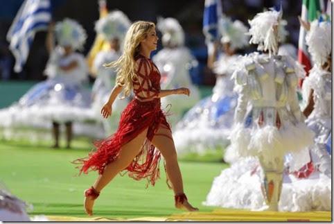 Shakira en ceremonia de clausura Mundial brasil 2014