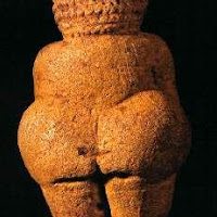 Venus_de_Willendorf_(costas).jpg