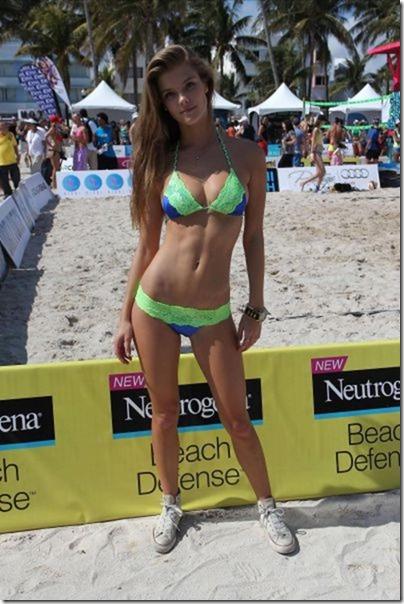 bikini-beach-babes-17