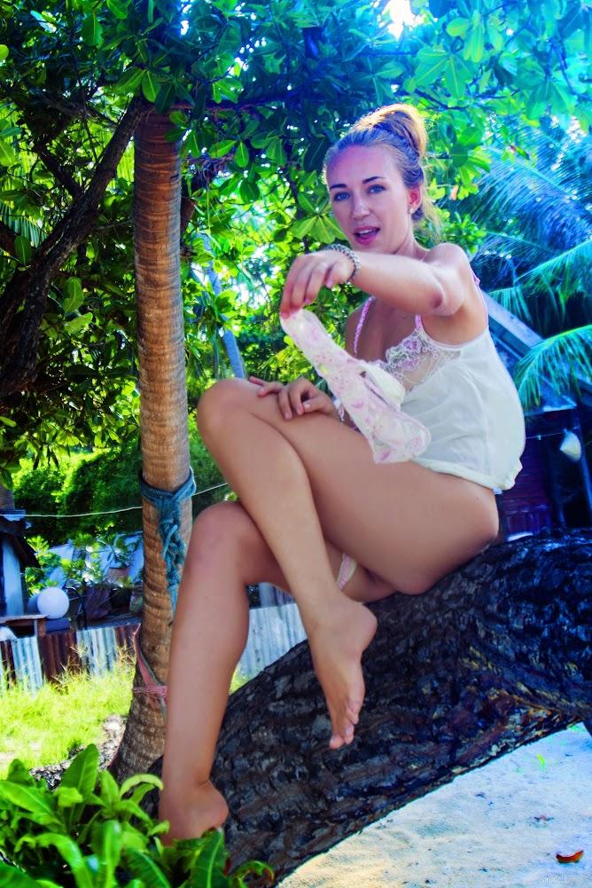 [Eroticbeauty] Renata A - Fun Loving eroticbeauty 10270
