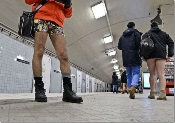 no-pants-subway-ride-24