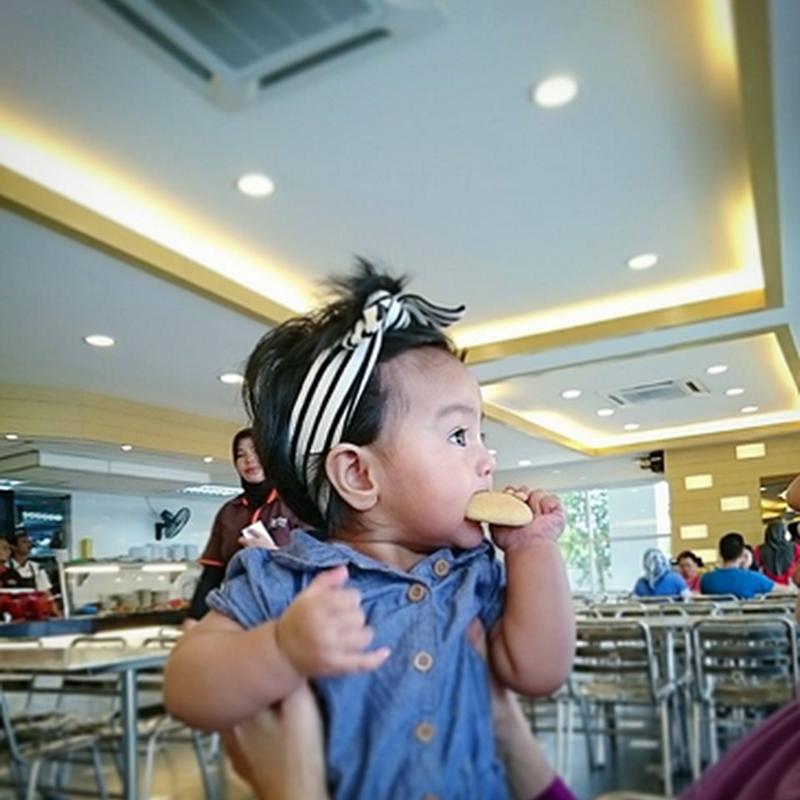 MILNA , biskut pertama Zahra !