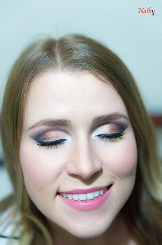 maquiagem esfumada boca rosa