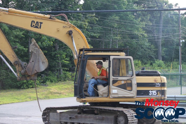 Robert Pitt Drive Being Repaved In Monsey (Moshe Lichtenstein) - IMG_4879.JPG