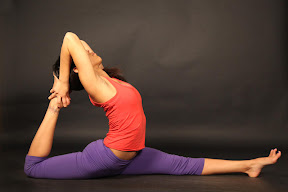 Eka Pada Rajakapotasana 4: King Pigeon on 1-leg. The heart is lifted and free, like a pigeon.