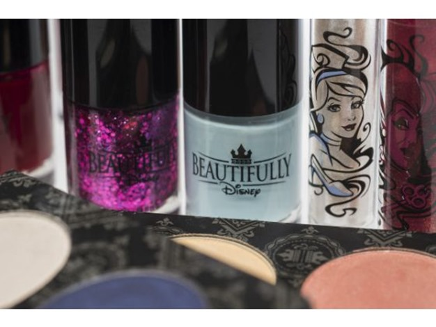 walt disney world makeup collection wickedly beautiful 2