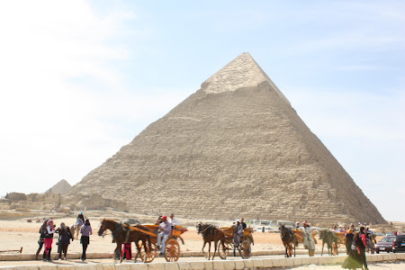 Obiective turistice Cairo: Piramida lui Chefren in sec 21