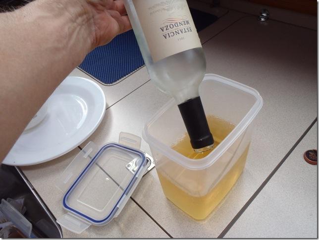 023a weinflasche leeren