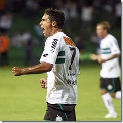 meia-david-comemora-gol-pelo-coritiba-1296702606513_300x300