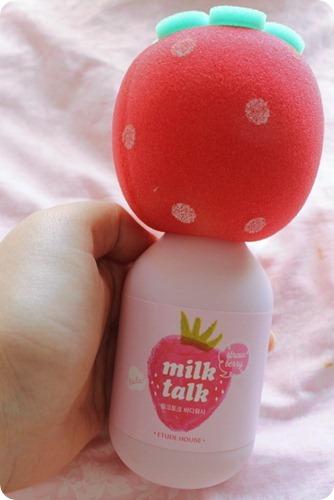 Etude House Strawberry Milk Talk Sponge