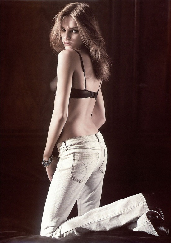 natalia-vodianova-calvin-klein-jeans-campaign-fall-winter-2003