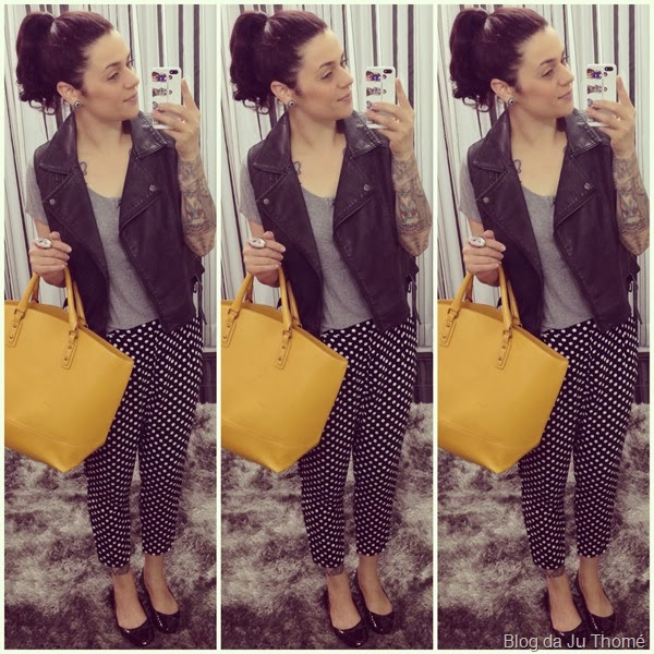 calça de bolinha, colete de couro e bolsa amarela (2)