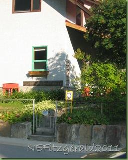 106_0642EntranceMtBurgess Guesthouse