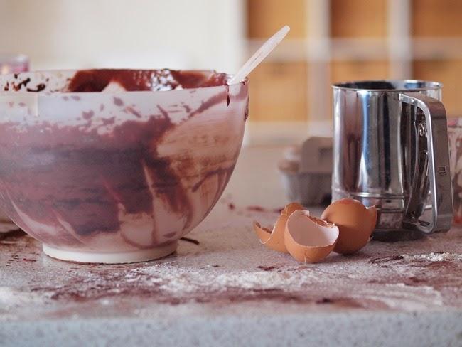 virtù - this moment - making O's birthday cake