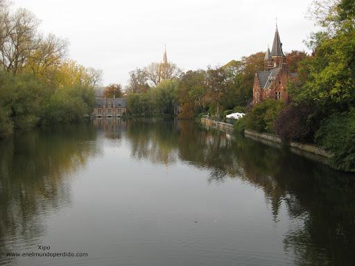 minnewater park-en-brujas-lago-de-los-enamorados.jpg