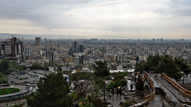 Deasupra Mashhad-ului.