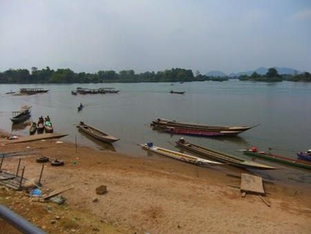 Nakasong, Laos