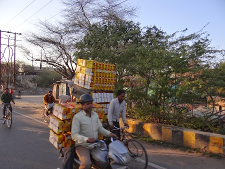 39. Transport marfuri India.JPG