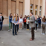 pan ředitel Fischer před svou školou.JPG