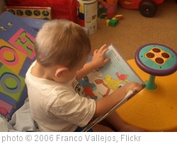 'Benjamin reading' photo (c) 2006, Franco Vallejos - license: http://creativecommons.org/licenses/by/2.0/