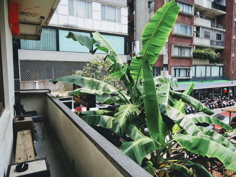 homey's Café 二樓戶外區.jpg