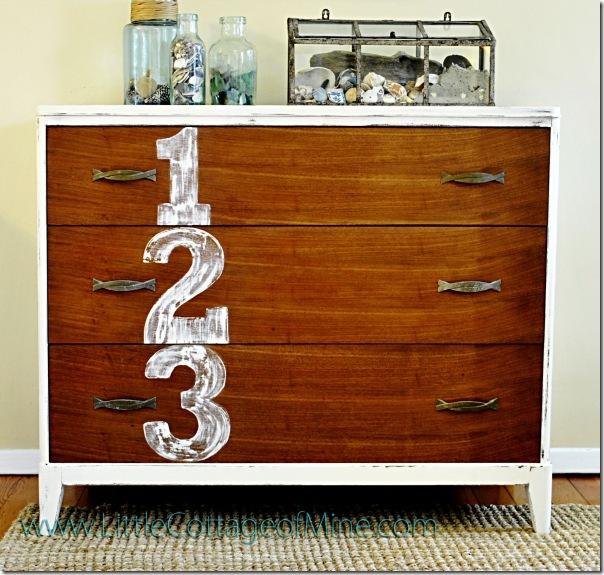 Decorare le pareti con lettere e numeri - Come abbellire camera da letto ...