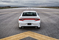 2015-Dodge-Charger-Hellcat-SRT-38.jpg
