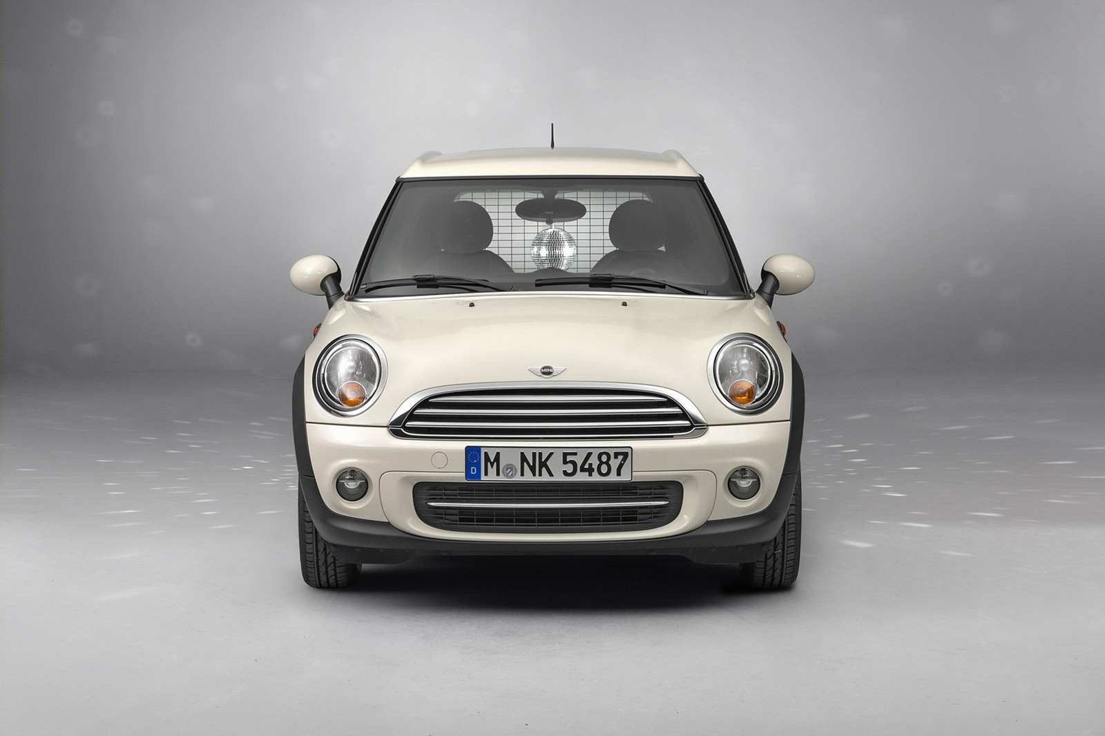 2013-Mini-Clubvan-Production-Model-13.jpg?imgmax=1800