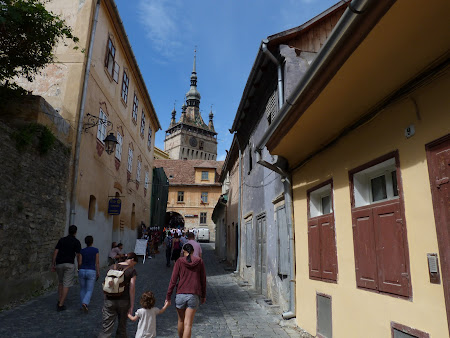 Things to see in Sighisoara: up to the old town entrance