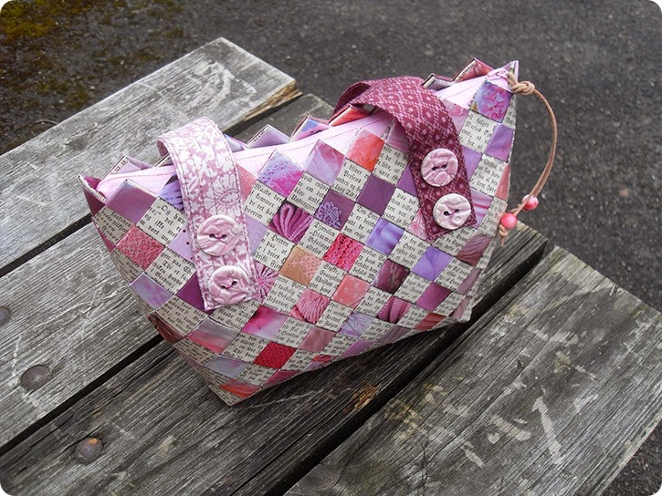 Flettet taske til Susanne - dameblade og Luthers huspostil