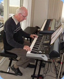 Our generous host, Peter Brophy, playing his brand new toy - a Korg Pa3X