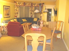 Florida 3.2013 Marriott Cypress Harbour dining area living room1