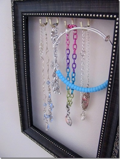 how to hang bracelets