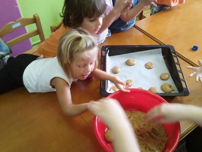 Πατητήρι έστησαν στο «Ουράνιο Τόξο» εκπαιδευτικοί και παιδιά