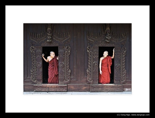 dn_burma_2monks_200-6001