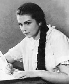 the young Galina Vishnevskaya as Tatyana in Tchaikovsky's YEVGENY ONEGIN at the Bolshoi