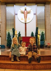 Close_Up_Altar_Kids_2