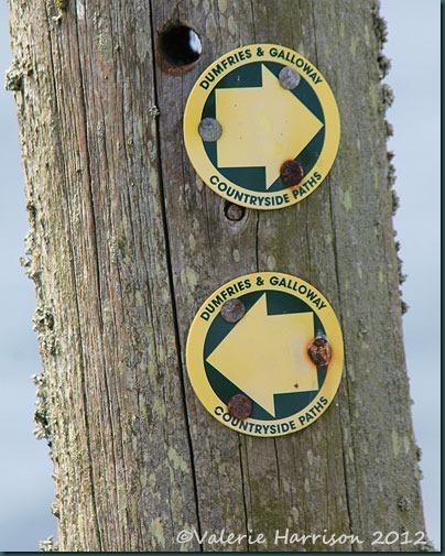 62-footpath-sign