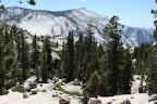 Après 2 jours a Yosemite, il est temps pour nous de payer 200 dollars et de continuer vers l'est via la route qui traverse le parc et nous livre encore quelques paysages pas dégueulasses, comme dirait Victor Hugo.